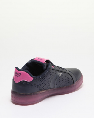 NAVY/FUCHSIA SNEAKERSを見る