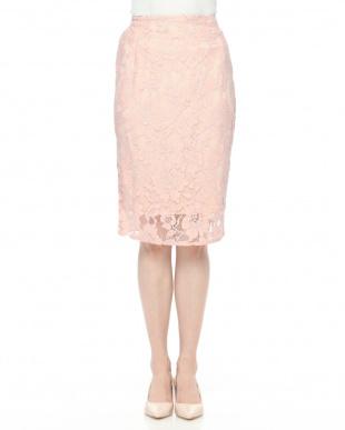 ピンク レースタイトスカートを見る