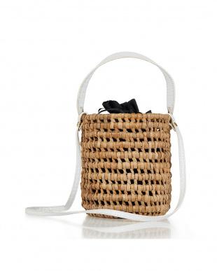 ホワイト メッシュ編みバケツ型かごバッグを見る