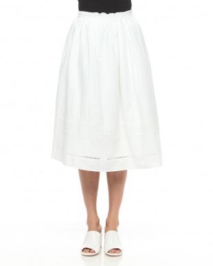 ホワイト 幾何エンブロイダリーギャザースカートを見る