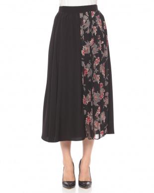 グリーン系 フラワープリーツ切替スカートを見る