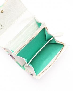 グリーン 二つ折りファスナー付き財布を見る