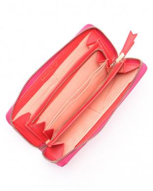 ピンク ラウンドファスナー長財布を見る
