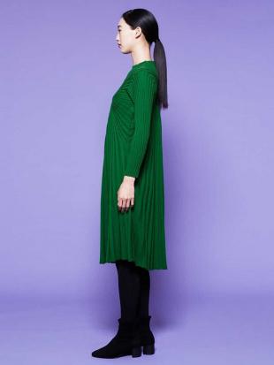 グリーン ラウンドリブニットドレス Sybilla を見る