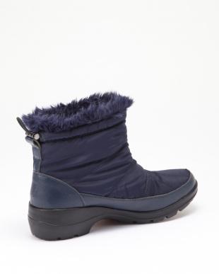 NVZ 【MINNETONKA】ナイロン生地防水加工ショートブーツを見る
