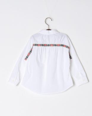 オフホワイト 刺繍ドルマンシャツを見る