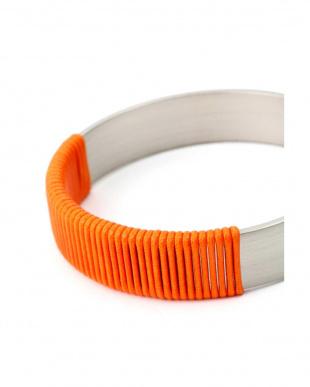 オレンジ テープ使いバングル2本セット  アドーアを見る