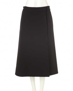 ブラック×ネイビー |VERY10月号掲載|リバーシブルウールスカート アドーアを見る