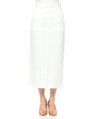 ホワイト ロングストレートスカートを見る