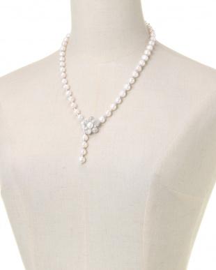 ホワイト ネックレスを見る