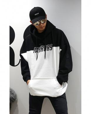 ブラック×ホワイト Twotone Logo hoodieを見る