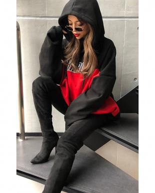 ブラック×レッド Twotone Logo hoodieを見る