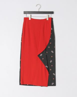 RED FLOWER EMB HRT CHECK SKIRTを見る