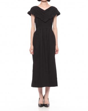 ブラック ドレスを見る