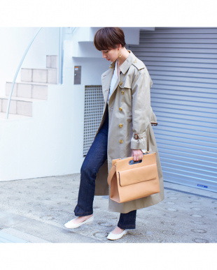 BEIGE SHOP DOCUMENT BAGを見る