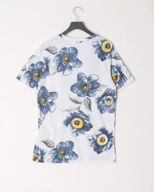 ホワイトフラワー Tシャツを見る
