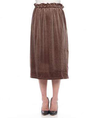 Mocha ベロアミディスカートを見る