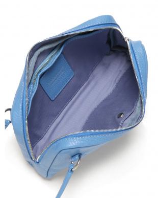 ブルー レザー セカンドバッグを見る