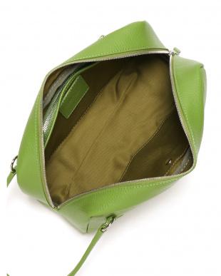 グリーン  レザー セカンドバッグを見る