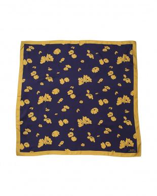 イエロー スカーフを見る