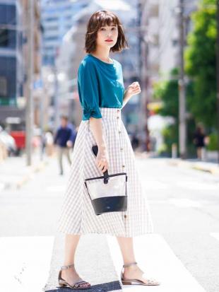 ベージュ 【WEB別注カラー】ギンガムフロントボタンスカート[WEB限定サイズ] a.v.vを見る