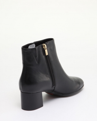 BLACK LEATHE  TM Novalie Bootie 2を見る