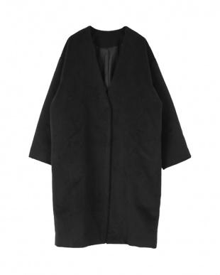 ブラック ノーカラーオーバーサイズシングルコートを見る