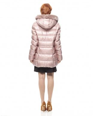 ライトピンク コートを見る