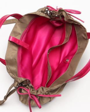 ドルフィン*ショッキングピンク 2WAYショルダー付きバッグを見る