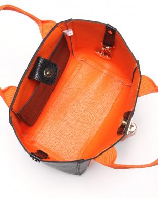 メイサイ*オレンジ  タッセル付トートバッグを見る