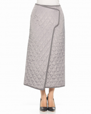 GREY QUILTED TIGHT SKIRTを見る