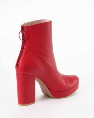 RED SHORT BOOTSを見る