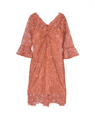 オレンジ レースフレアスリーブドレスを見る