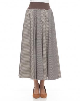 ブラウン ピンチェック組み合わせロングスカートを見る