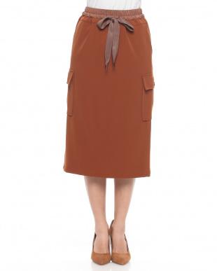 カーキ カーゴタイトスカートを見る