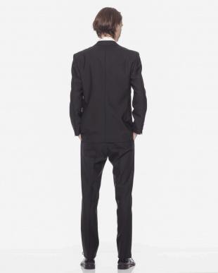 ブラック  ツーボタンシングル上下スーツを見る