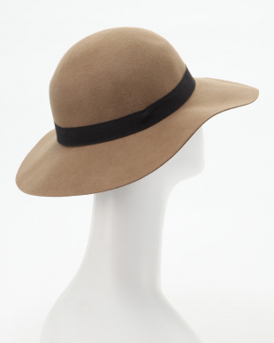 ベージュ フェルト女優帽を見る