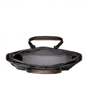 ブラック 日本製 ビジネス トートバッグ 撥水加工 B4サイズ収納可を見る
