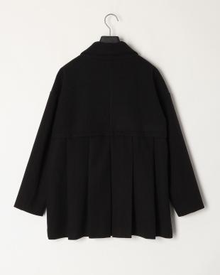 ブラック カットメルトンバックプリーツコートを見る