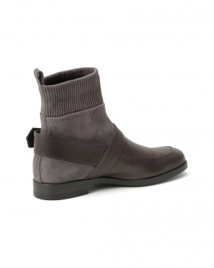 Grey SHOES SHORTBOOTSを見る