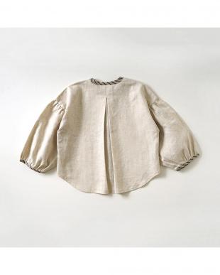 ベージュ 綿麻へリンボン長袖ボックスシャツを見る