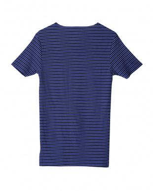 ネービーブルー カットオフVネックTシャツを見る