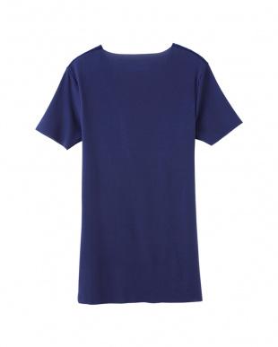インクネービー VネックTシャツを見る