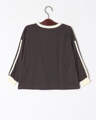 1-ブラック オーバーサイズ長袖Tシャツを見る