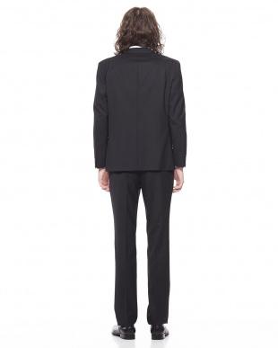 ブラック  REBIZM ジオメトリック柄 ノッチドラペル スーツを見る