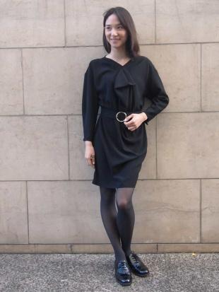 ブラック ドレープニュアンスドレス TARA JARMONを見る