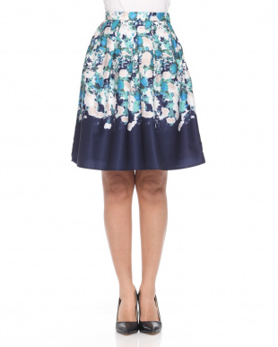 ネイビー系 パネルプリントスカートを見る