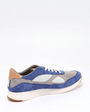 GP CLS RUNNING SNKR:NVY/RCK RDを見る