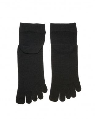 ブラック 重ね履きに最適!シルク薄手の5本指インナーソックスSサイズ2足セットを見る