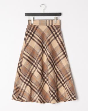 ブラウン チェック柄スカートを見る